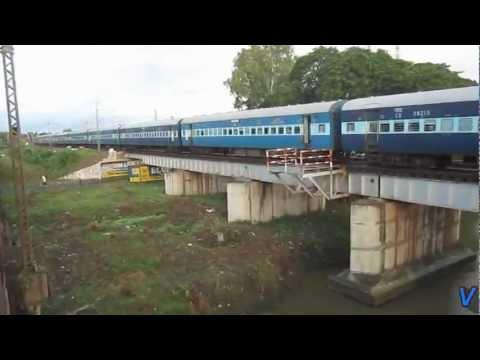 Azad Hind Express with ED WAP-4 22357