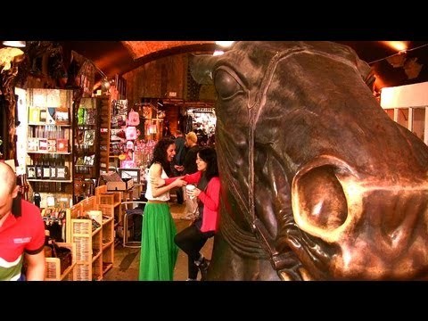 Camden Market - Camden Town - London Landmarks - High Definition (HD) YouTube Video