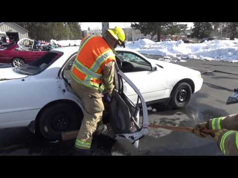 Extrication training tip: Vehicle door removal