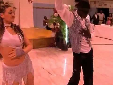 Salsa : Demonstration de la danse , Salsa par un couple