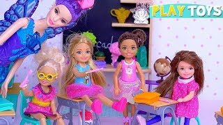 Barbie Teacher in Doll School for Magic for Baby Dolls Stacie and Skipper!