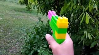 Menyusun Dan Bermain Tembak Tembakan Lego Di Sawah