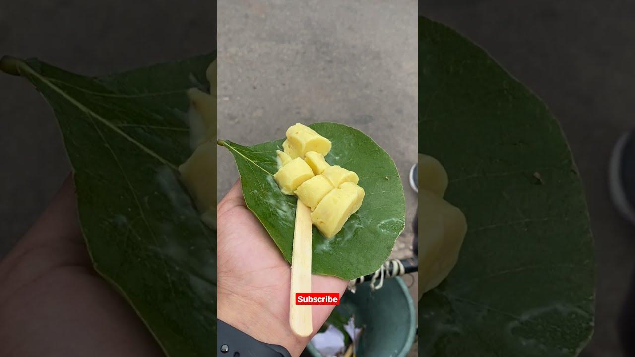 Kulfi served on a Leaf 🥬 #shorts