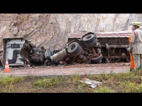 Carreta desgovernada provoca acidente grave na BR 070