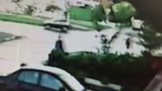 Сотрудник полиции сбил девушку и скрылся.Запись с камеры наблюдения 20160817(Сотрудник полиции сбил человека,видео с камеры наблюдения и даже не пытался остановиться. Естественно..., 2016-11-06T19:49:31.000Z)