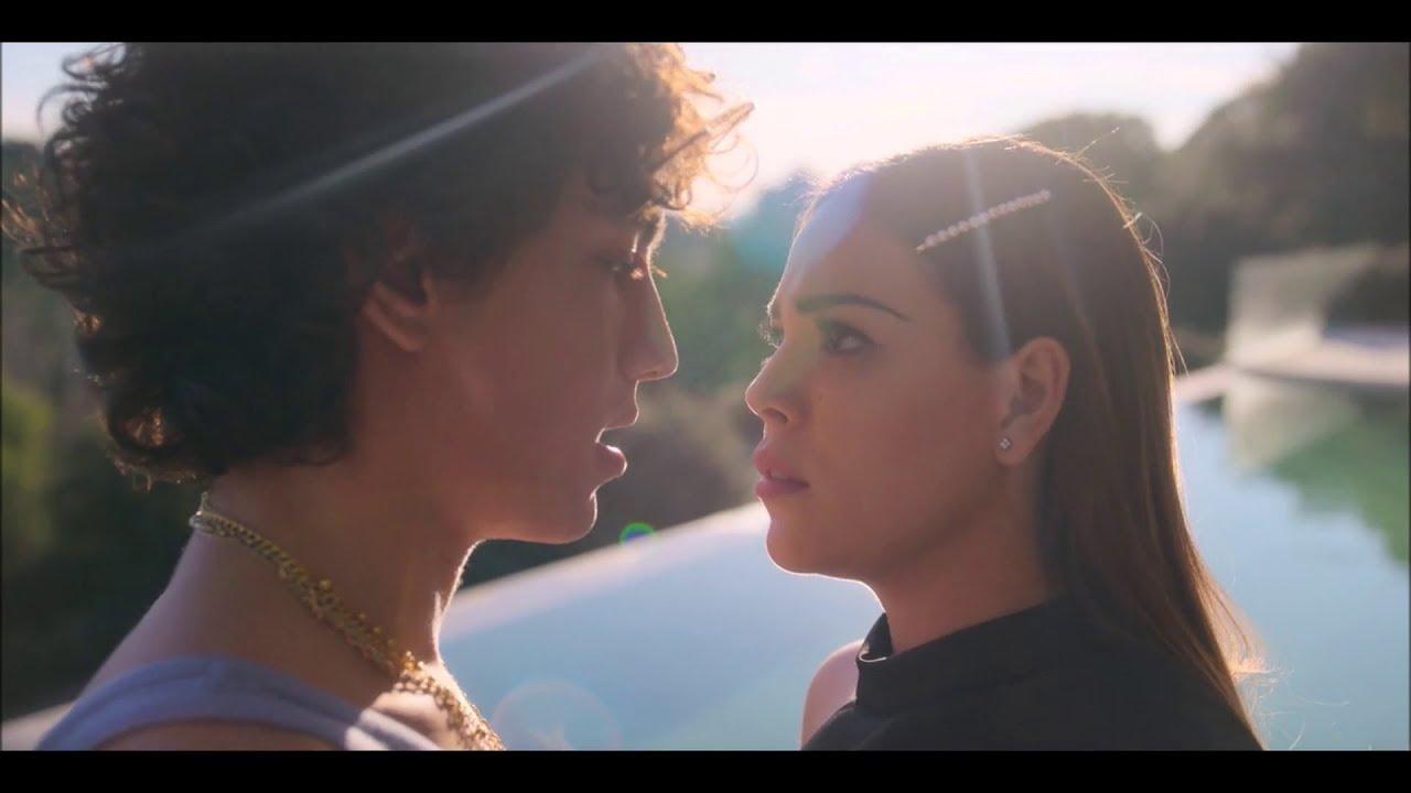 Download Lucrecia and Valerio Scenes 2x02 - Elite