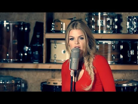 The Middle - Zedd, Maren Morris, Grey(Cover By: Davina Michelle)