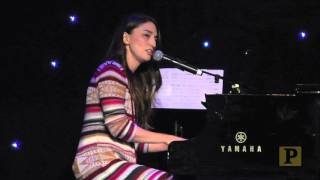 "Watch Sara Bareilles' Surprise Live Performance From ""Waitress"" at BroadwayCon"