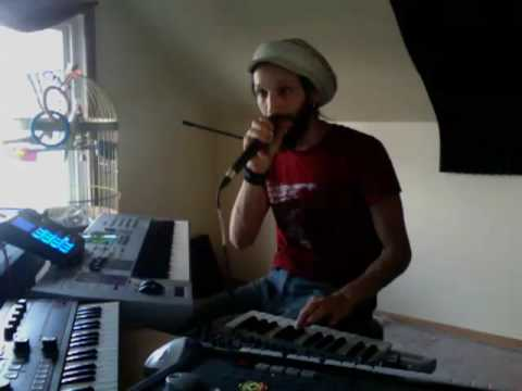 ABLETON LIVE  8 LOOPER Demo by Nico Luminous