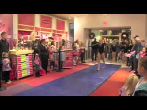 McKenna Brooks Doll Reveal January 1st 2012 At The American Girl Place Kansas City Part 1 Of 3!