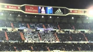 Debut y ovacion a Zidane desde el Bernabeu (grada)
