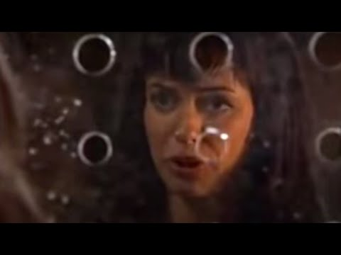 Gwen's Alien Kiss - Torchwood - BBC from YouTube · Duration:  3 minutes 58 seconds