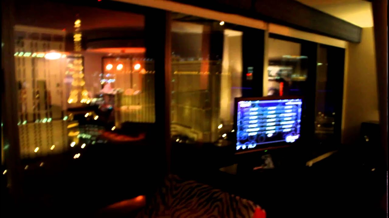 Planet Hollywood Grand Suite - YouTube