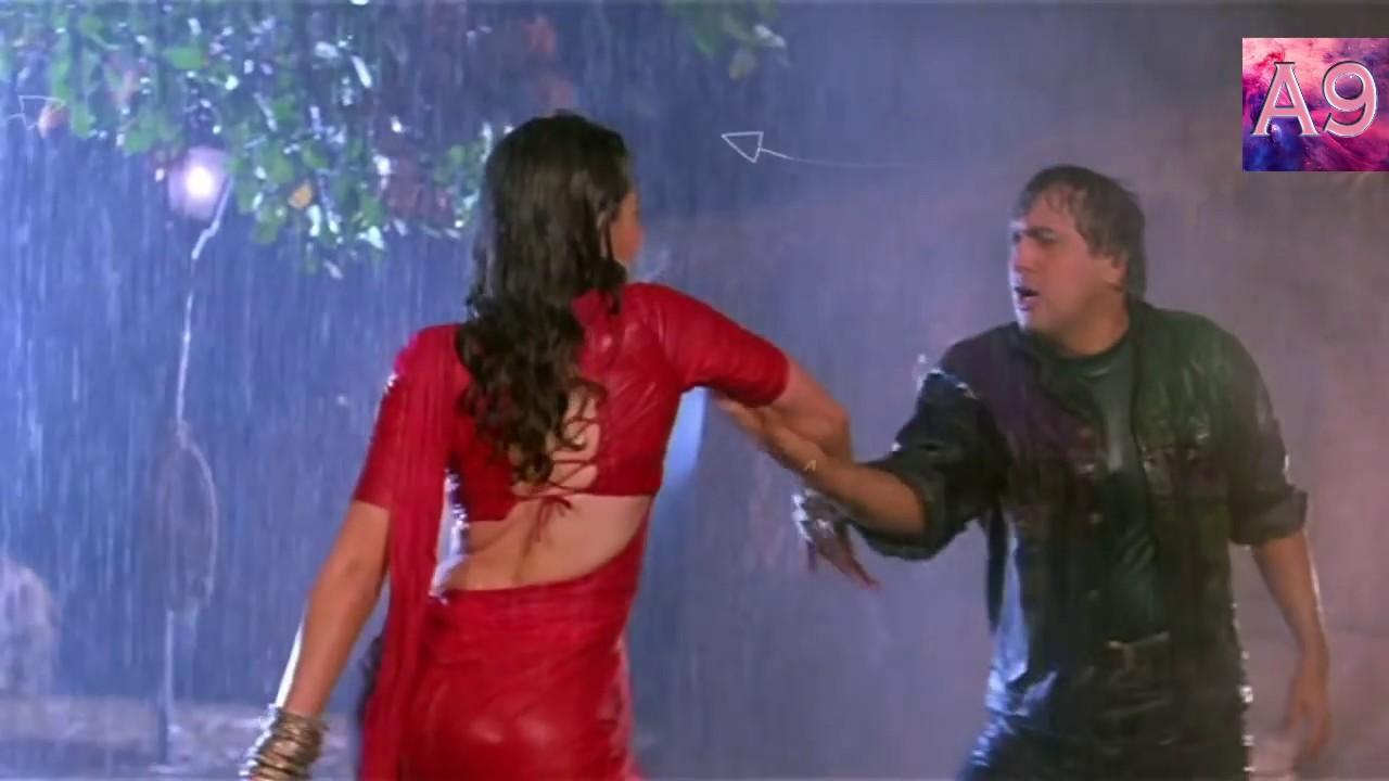 Karishma Kapoor Hot Fashionable Clothes Exposed - Youtube-8040