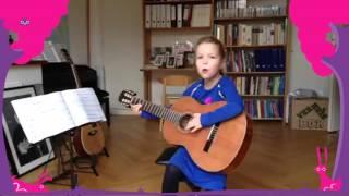 Jasmijn - 7 jaar - gitaar, zang.