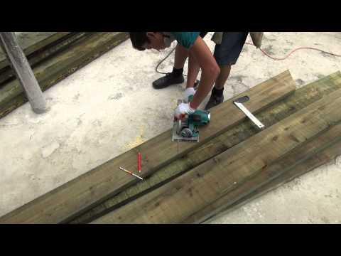 видео: Крыша мансардная, делаем конёк и готовим стропила .