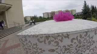 Pudło niespodzianka balony z helem Mielec wypuszczone przez Młodą Parę
