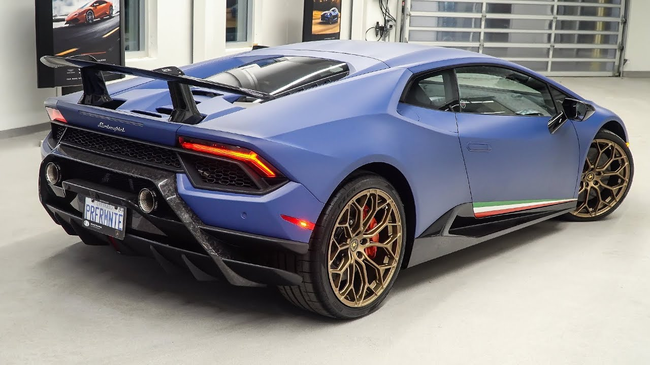 Delivery Of A 2018 Lamborghini Huracan Lp640 4 Performante In Blu