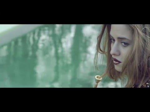 EMMA SMETANA - WAITING (Official video)