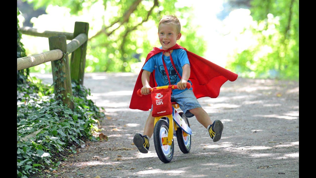 Brn kids la bicicletta in legno per bambini senza pedali for Immagini pagliaccio per bambini