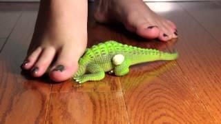 Barefoot Lizard Squish