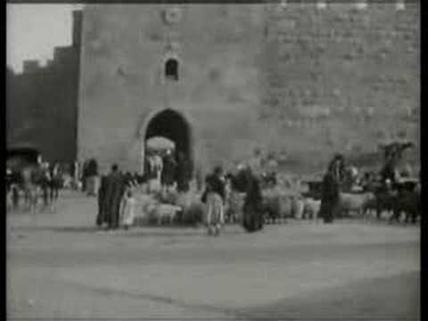 Vintage cars and buses in 1920s Jerusalem