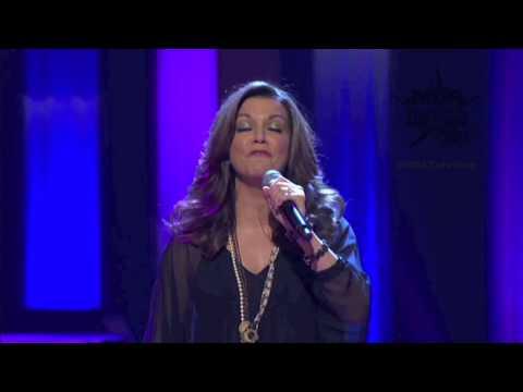 2011 MDA Telethon Extras - Martina McBride