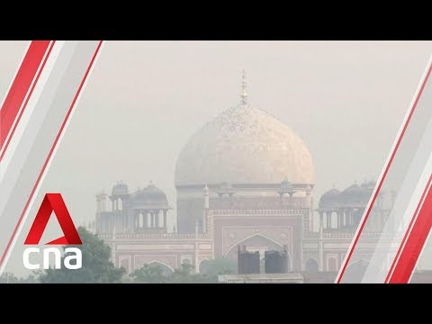 """Thick smog in New Delhi, air quality at """"very unhealthy"""" level"""