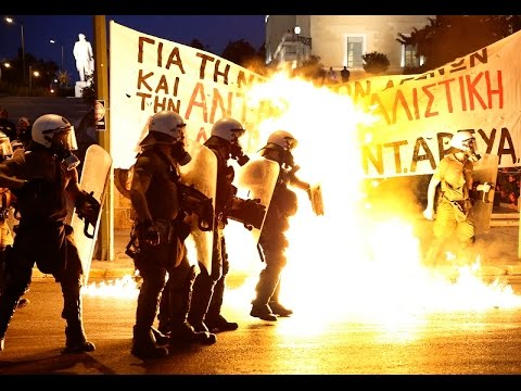 Molotov cocktails & firebombs: Anti-austerity protest in Athens against bailout deal