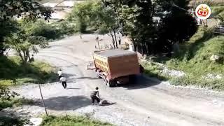 Xe tải chở đá bất ngờ gặp sự cố và cái kết...