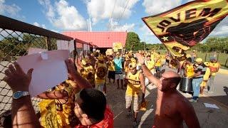 Torcidas organizadas realizam protesto no CT do Sport