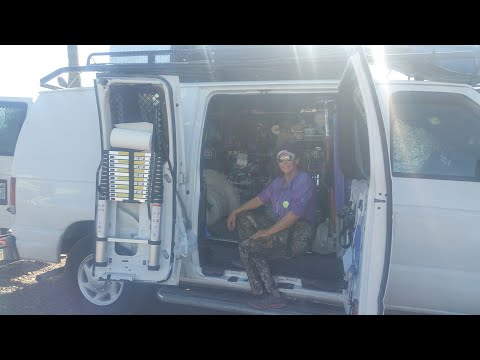 Tour of Laura's 2007 Ford E250 campervan - Full time van life