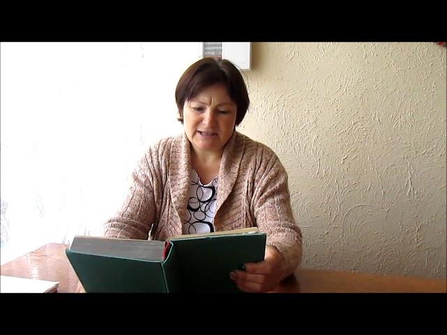 Изображение предпросмотра прочтения – СветланаТараканова читает произведение «Мужичок горбатый» А.Т.Твардовского