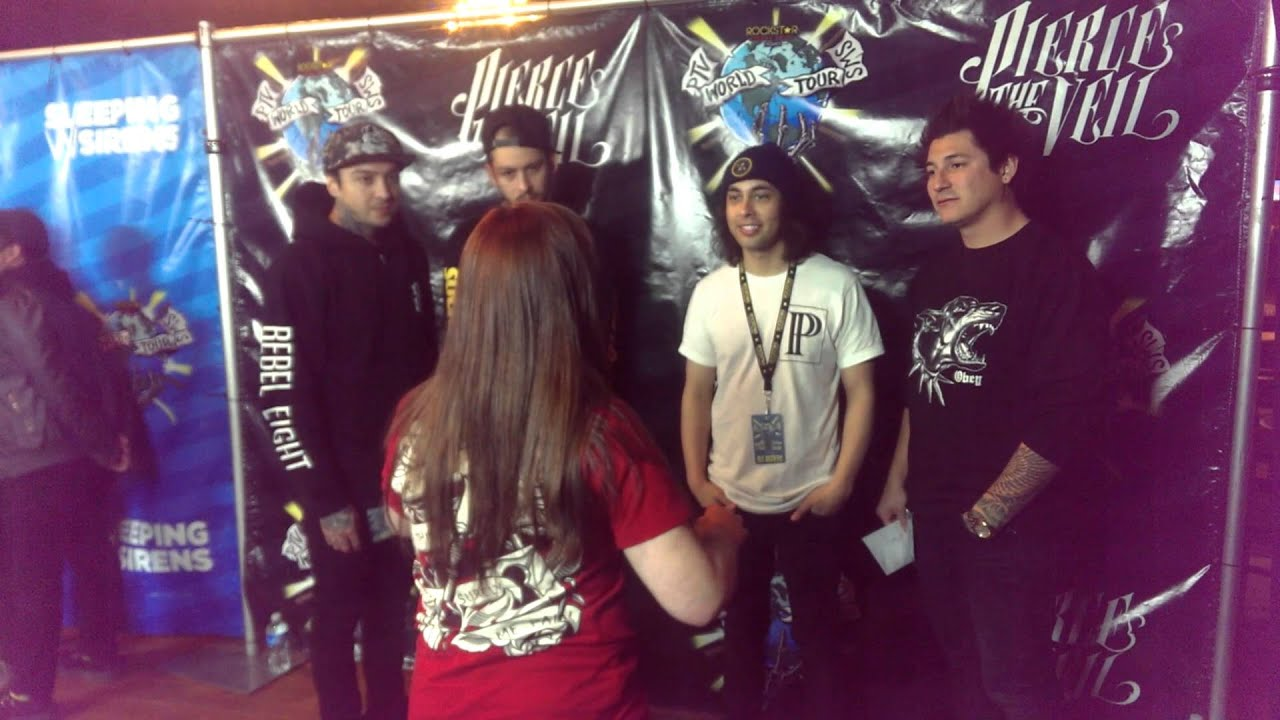 Meeting pierce the veil the world tour charlotte 221 youtube meeting pierce the veil the world tour charlotte 221 m4hsunfo