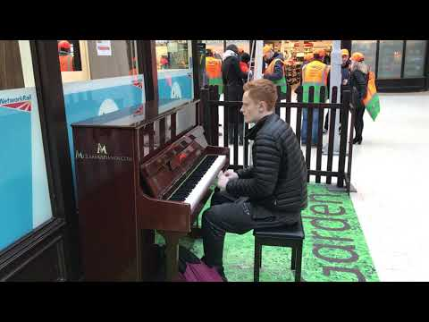 Ginger Lad Playing At McClarens Piano Garden Glasgow Central (18/2/2019)