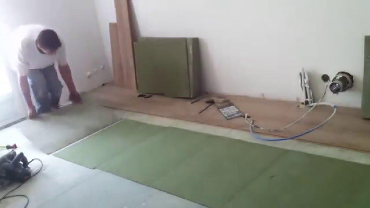 Comment Poser La Sous Couche Isolante D Un Parquet Youtube