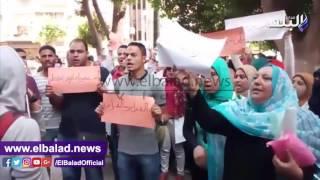 وقفة احتجاجية لطلاب التمريض أمام التعليم العالي وسط تكثيف أمني .. فيديو وصور