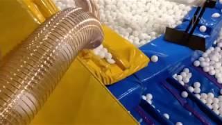 Наводим чистоту в сухом бассейне. 40 000 шаров.