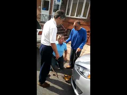 South Philly Reseve Parking spot fight old man vs old people part 1 of 2