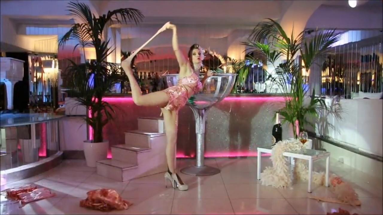04eb08ac97e Roberta Pennisi- Lady Roberta Kent burlesque- coppa champagne - YouTube