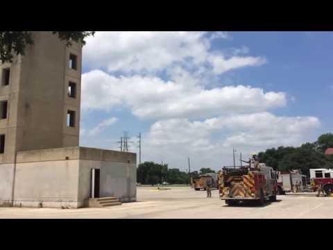 DEck gun operation Engine 2 using 1-3/8 tip 500Gpm - video 2