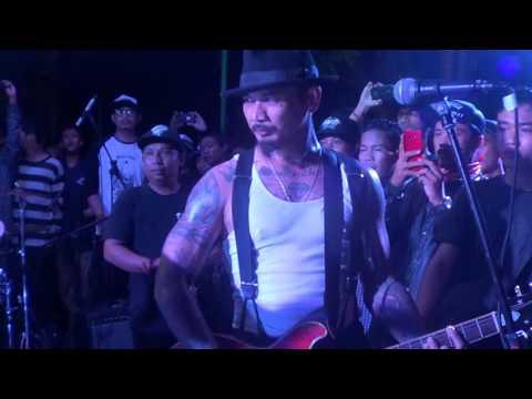 Devildice - Diamond Are Forever [live @LingkarArt]