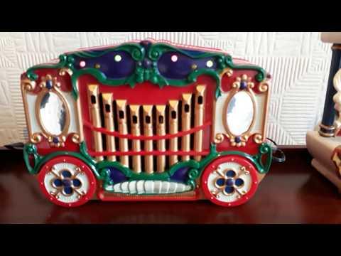 Mr Christmas Holiday Carousel: Lighted Musical Carousel Figures