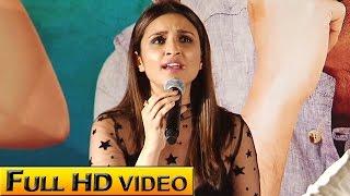 Parineeti Sings 'Piya Tose Naina Lage'! | VIDEO