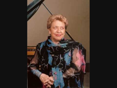 Alicia De Larrocha - Alicia De Larrocha Peforms The Music Of Manuel De Falla