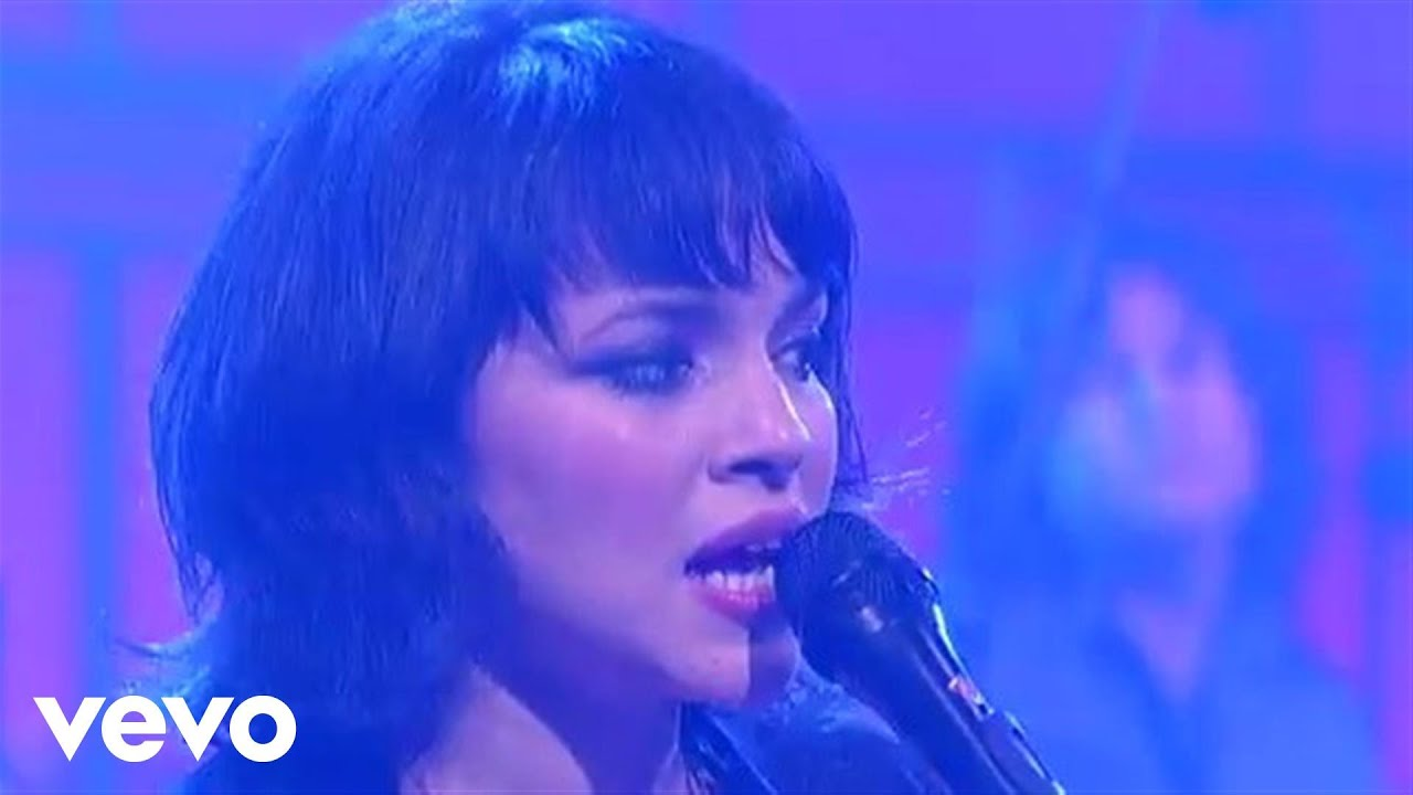 norah-jones-happy-pills-live-on-letterman-norahjonesvevo