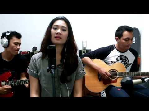 CND - Sejujurnya (live original-acoustic version)
