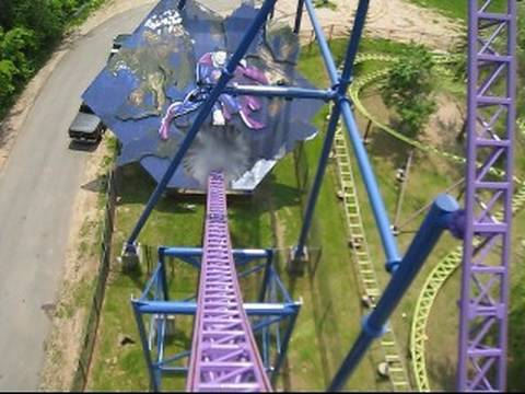 Bizarro Front Seat on-ride POV Six Flags New England