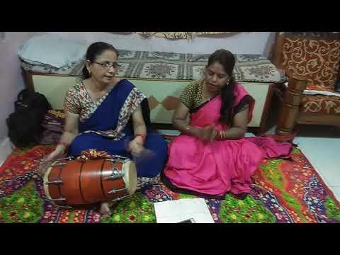 Latest 2019 Mata Bhajan Hindi Lyrics , navratri mata bhajan lyrics किसने सजायी चुनरी   मां शेरावाली की माँ शेरावाली की