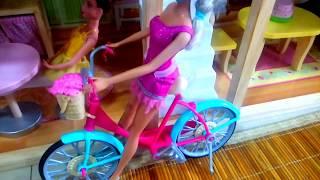 Waktunya Main Boneka Barbie Dengan Sepeda Pink